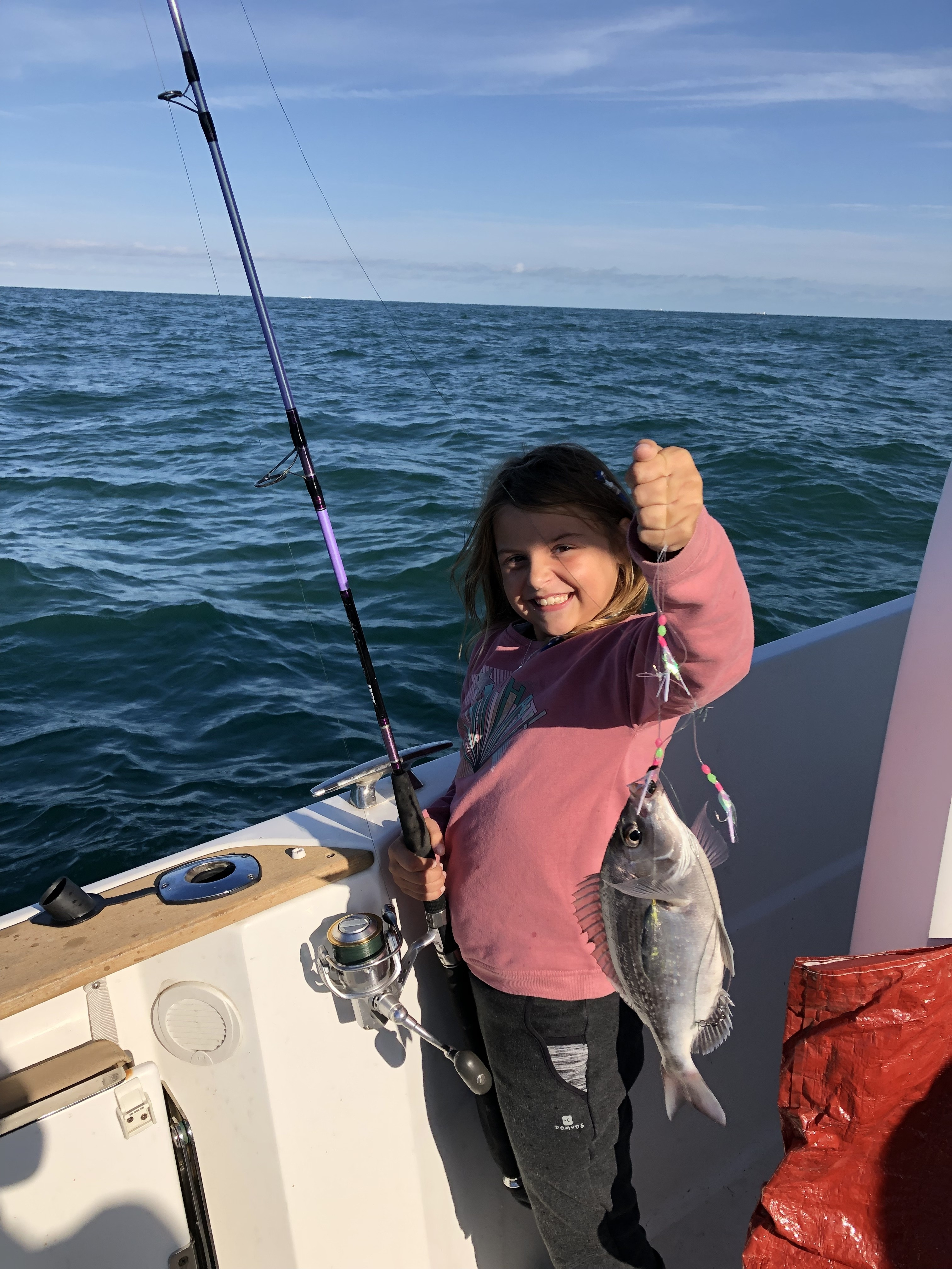 petite fille à la pêche